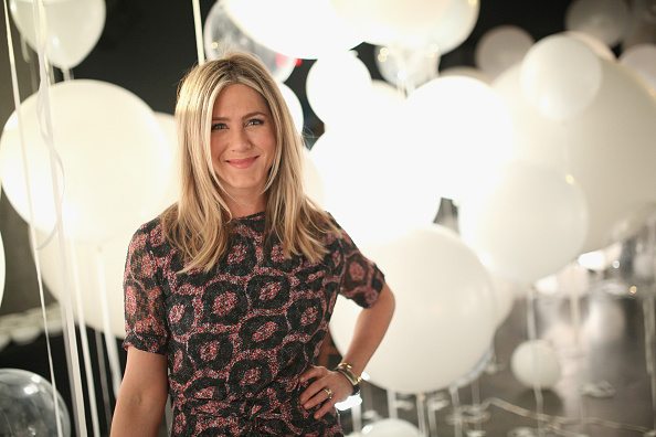 Portrait「smartwater sparkling Celebrates Jennifer Aniston And St Jude's Children's Hospital l」:写真・画像(18)[壁紙.com]