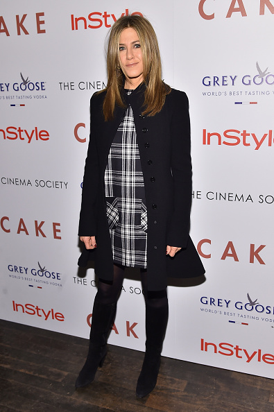 "Coat - Garment「The Cinema Society & InStyle Host A Special Screening Of ""Cake"" - Arrivals」:写真・画像(8)[壁紙.com]"