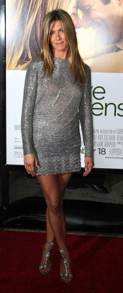 "Metallic Dress「Premiere Of Universal Pictures' ""Love Happens"" - Arrivals」:写真・画像(9)[壁紙.com]"