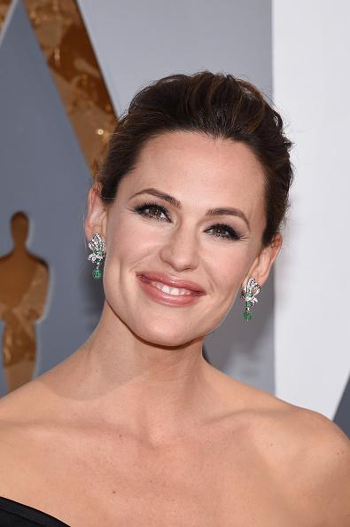 ダイヤモンドイヤリング「88th Annual Academy Awards - Arrivals」:写真・画像(4)[壁紙.com]