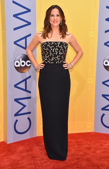 出席する「The 50th Annual CMA Awards - Arrivals」:写真・画像(15)[壁紙.com]