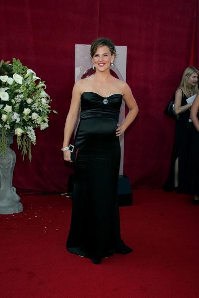 Clutch Bag「57th Annual Emmy Awards - Arrivals」:写真・画像(11)[壁紙.com]