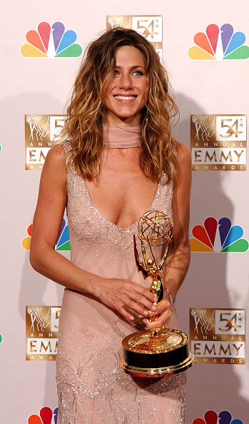 Award「Jennifer Aniston at 54th Annual Primetime Emmy Awards Backstage」:写真・画像(3)[壁紙.com]