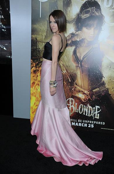 "Sleeveless Top「Premiere Of Warner Bros. Pictures' ""Sucker Punch"" - Arrivals」:写真・画像(16)[壁紙.com]"