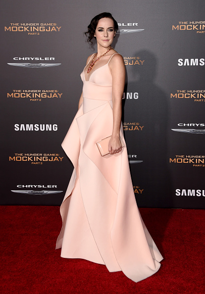 "Alternative Pose「Premiere Of Lionsgate's ""The Hunger Games: Mockingjay - Part 2"" - Arrivals」:写真・画像(19)[壁紙.com]"