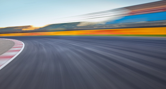 Motor Racing Track「Empty race track background」:スマホ壁紙(4)