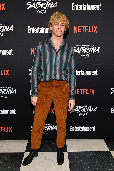 """Entertainment Weekly「Entertainment Weekly And Netflix Host A Screening Of The """"Chilling Adventures Of Sabrina: Part 2"""" In New York」:写真・画像(3)[壁紙.com]"""