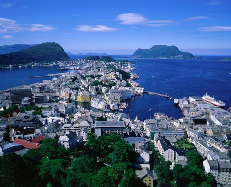 Aksla「South of city from Mt Aksla, Alesund, Norway」:スマホ壁紙(15)
