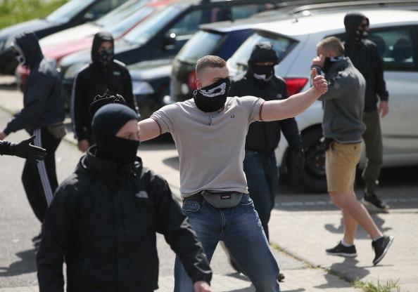 ネオナチ「May Day In Germany: Rostock」:写真・画像(16)[壁紙.com]