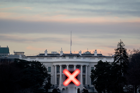 Barricade「House Considers 25th Amendment Resolution And Articles Of Impeachment」:写真・画像(16)[壁紙.com]