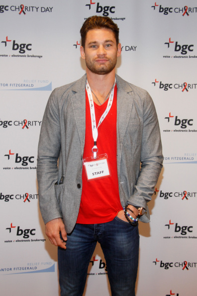 Christopher Algieri「Annual Charity Day Hosted By Cantor Fitzgerald And BGC at BGC Office」:写真・画像(4)[壁紙.com]