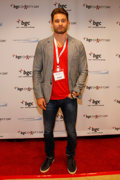 Christopher Algieri「Annual Charity Day Hosted By Cantor Fitzgerald And BGC at BGC Office」:写真・画像(3)[壁紙.com]