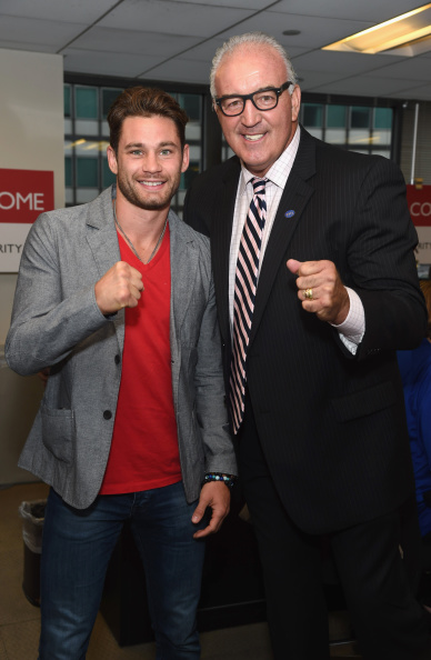 Christopher Algieri「Annual Charity Day Hosted By Cantor Fitzgerald And BGC - BGC Office - Inside」:写真・画像(2)[壁紙.com]
