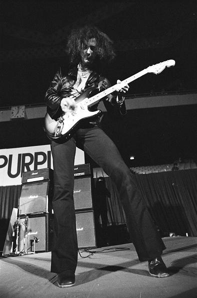 Deep Purple - Band「Ritchie Blackmore Playing Guitar With Deep Purple At Nippon Budokan」:写真・画像(5)[壁紙.com]