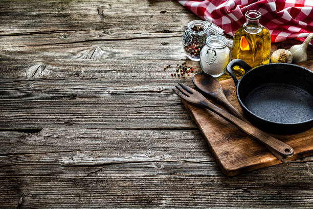 Cooking backgrounds: cooking ingredients and utensils on rustic wooden table with copy space:スマホ壁紙(壁紙.com)