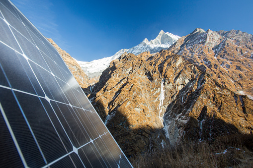 Himalayas「A weather station being powered by solar panels at Machapuchare Base Camp, Himalayas, Nepal.」:スマホ壁紙(2)