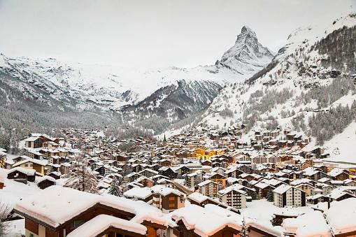 Chalet「Zermatt. Switzerland」:スマホ壁紙(11)