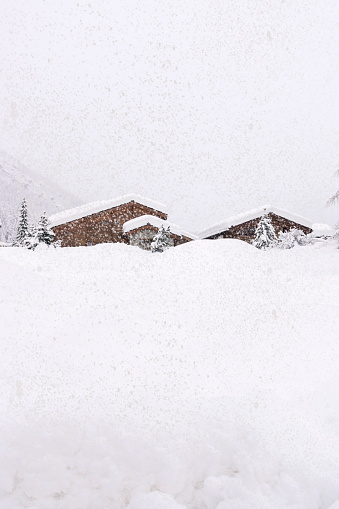 雪の吹きだまり「Zermatt. Switzerland」:スマホ壁紙(8)
