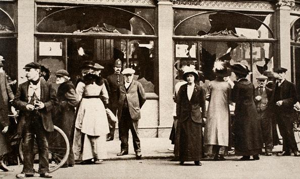 Mad Max: Fury Road「German Tavern Wrecked Deptford London World War I circa 1914-circa 1918」:写真・画像(8)[壁紙.com]