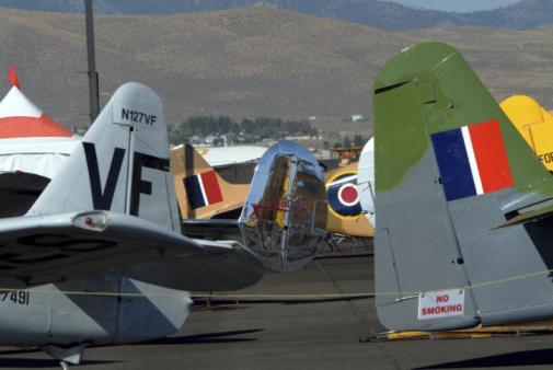 World War II「Vintage airplanes on display」:スマホ壁紙(5)