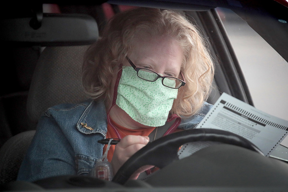 Wisconsin「Wisconsin Election Proceeds Despite Stay-At-Home Order During Coronavirus Pandemic」:写真・画像(3)[壁紙.com]