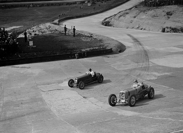 Sports Track「ERA and Maserati racing at Brooklands, 1938 or 1939」:写真・画像(15)[壁紙.com]