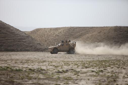 Steep「An M-ATV races across the wadi near Kunduz, Afghanistan.」:スマホ壁紙(4)