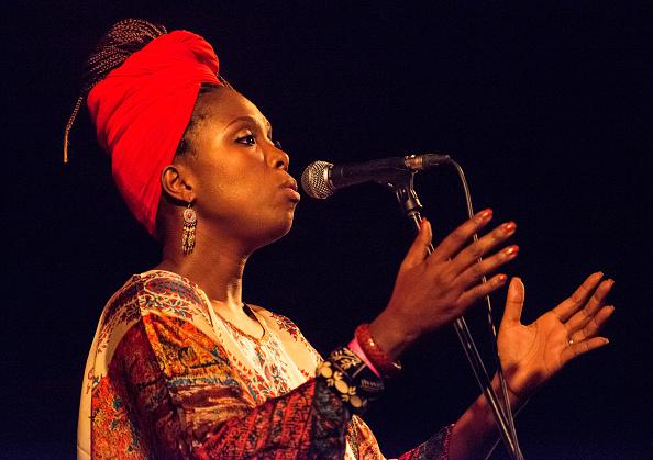 ワールドミュージック「Karyna Gomes」:写真・画像(0)[壁紙.com]