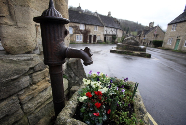War Horse「Tourism Boost As Historic Wiltshire Villages Benefit From Filming」:写真・画像(7)[壁紙.com]