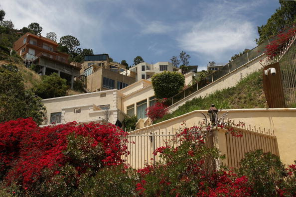 Death「Simon Monjack Found Dead At Home In Hollywood Hills」:写真・画像(15)[壁紙.com]