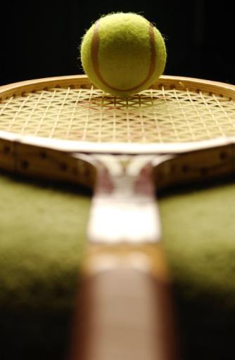 Taking a Shot - Sport「Tennis Racquet And Tennis Ball」:スマホ壁紙(19)