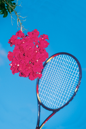 テニス「tennis racquet with flowers」:スマホ壁紙(18)