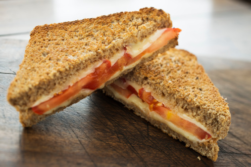 Toasted Food「Cheese and Tomato Toasted Sandwich」:スマホ壁紙(13)