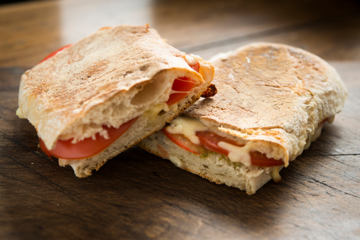 Toasted Food「Cheese and Tomato toasted Ciabatta」:スマホ壁紙(4)