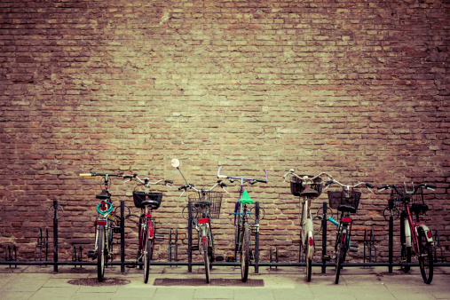 Rack「Bike Parking in Bologna, Italy」:スマホ壁紙(0)