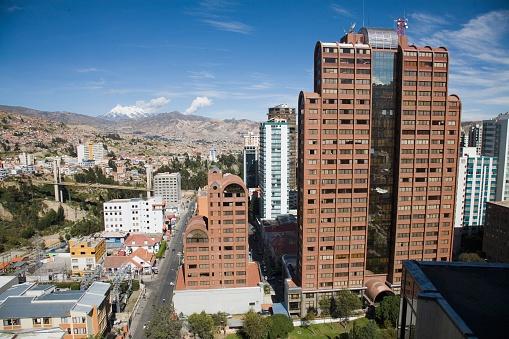 Bolivian Andes「Skyscraper in La Paz」:スマホ壁紙(2)