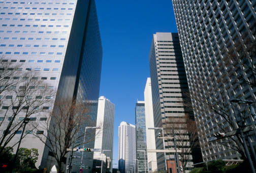 Low Angle View「Skyscraper, Shinjuku, Tokyo, Japan」:スマホ壁紙(11)