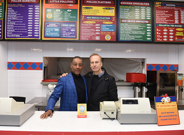 Fast Food「AMC's Better Call Saul Los Pollos Hermanos Pop-Up shop with Bob Odenkirk and Giancarlo Esposito」:写真・画像(18)[壁紙.com]