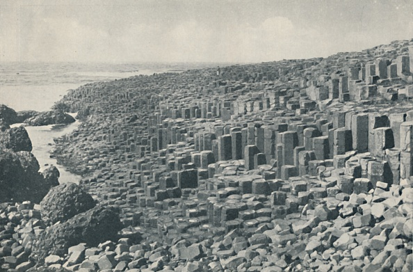 Basalt「Tessellated Promenade Of The Grand Causeway Laid Down In Lava In The Far Distant Past」:写真・画像(9)[壁紙.com]