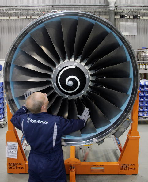 Aerospace Industry「Tiefensee Visits Rolls-Royce Aircraft Engine Plant」:写真・画像(7)[壁紙.com]