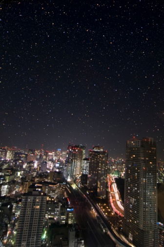 star sky「The Shiodome building group and a starlit sky. Minato Ward, Tokyo Prefecture, Japan」:スマホ壁紙(8)