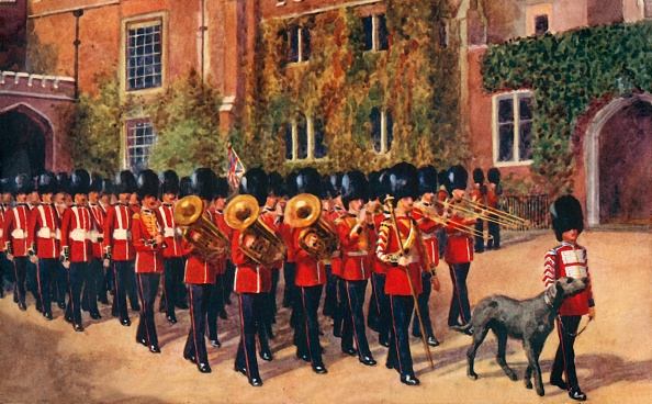Rug「The Irish Guards Leaving St James Palace After Changing Guard 1」:写真・画像(2)[壁紙.com]
