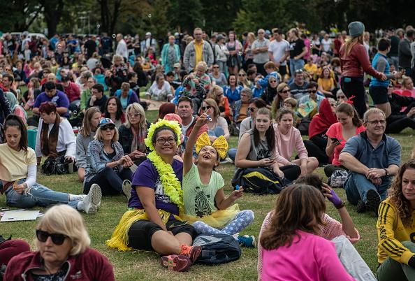 子供「Christchurch Mourns After Worst Mass Shooting In New Zealand's History」:写真・画像(6)[壁紙.com]