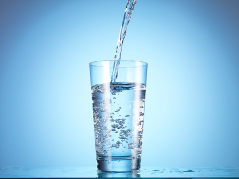 Blue Background「Cold drink water being poured into glass」:スマホ壁紙(11)