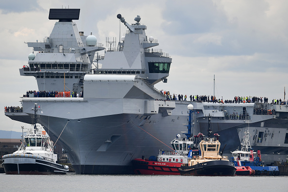 British Military「HMS Queen Elizabeth Begins Sea Trials」:写真・画像(3)[壁紙.com]