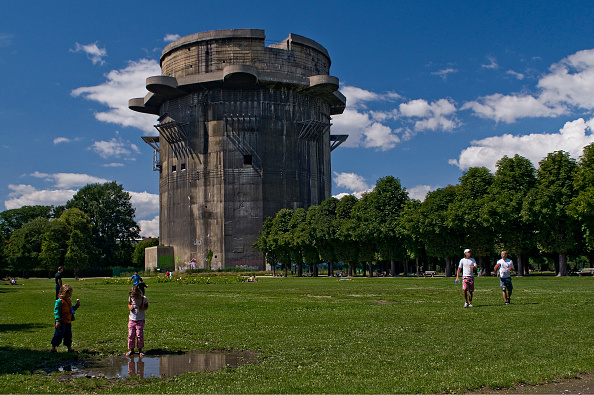 Tower「The Flak Tower In The Augarten」:写真・画像(19)[壁紙.com]