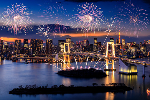 花火大会「東京の街並み 」:スマホ壁紙(2)