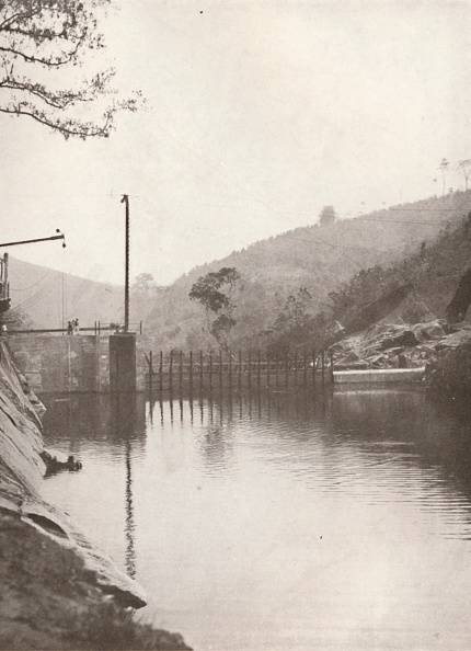 Overcast「Pirahy Diversion (Dam From Up Stream) Of The Rio Light And Power Works, 1914」:写真・画像(2)[壁紙.com]