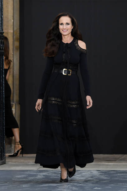 """Le Defile L'Oreal Paris"" : Runway - Paris Fashion Week - Womenswear Spring Summer 2020:ニュース(壁紙.com)"