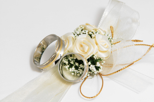 Married「Wedding Bouquet and rings」:スマホ壁紙(13)